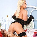 Petite blondie shows what hides between her hips