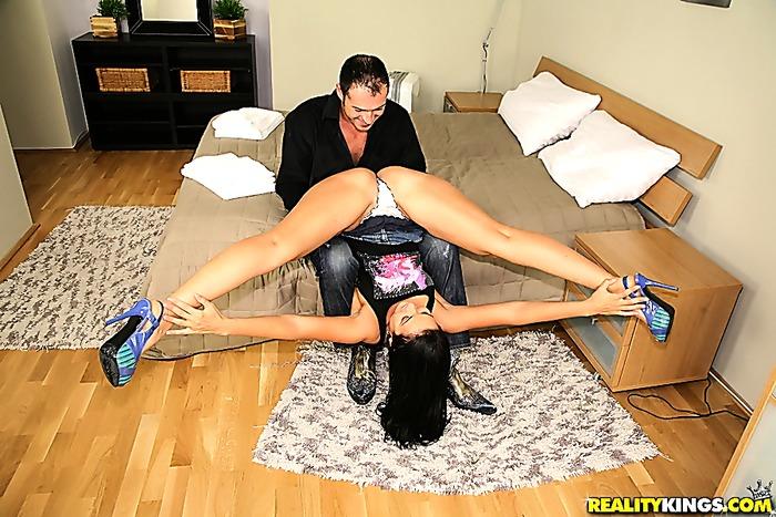 Super hot big tits porn star avva gets cumfaced and creamed over her big tits hot pics