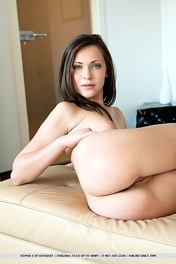 babe, inverted nipples, pussy, shaved , brunette